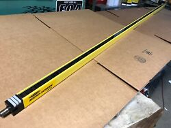 """New Banner Usr7212y Micro Screen 72"""" Safety Light Curtain Receiver V-series"""