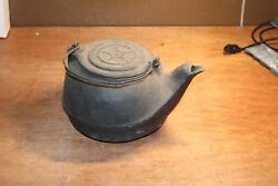 Antique Cast Iron Kettle Cook Pot Number 2 With Star With Gate Marks