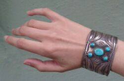 Great Wide 1930and039s Vintage Navajo Indian Repousee Silver Turquoise Cuff Bracelet