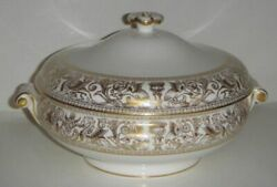 Wedgwood Florentine Gold W4219 Round Covered Vegetable Bowl W/lid