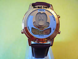 New Disney Lorus Mickey Mouse Smile Winks Musical Gold Alarm Watch Collectible