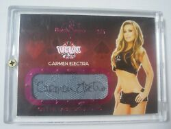 2013 Benchwarmer Vegas Baby Carmen Electra On The Table Signatures Auto D 2/5