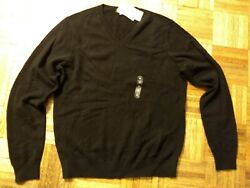 Great gift!  Uniqlo cashmere sweater new with tags