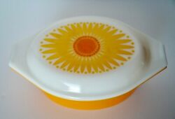 Vintage Pyrex 043 Oval Casserole Dish 1.5 Qt Yellow And Orange Daisy Promotional