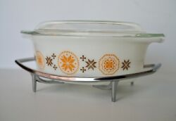 Vintage Pyrex 043 Country And Town1.5qt. Oval W/lid And Chrome Stand Great Design