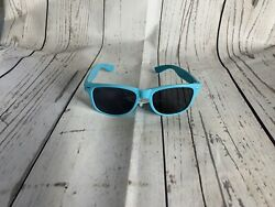 Foster Grant Swak Sunglasses Style CHOICES NEW M $3.99