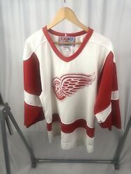 Vintage Ccm Detroit Red Wings Jersey Nhl Hockey Canada Sewn Men's Small White