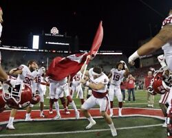 Baker Mayfield Oklahoma Sooners Plants A Flag At Ohio St Photo 2 - Select Size