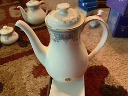 Juliet Royal Doulton Coffee Pot And Lid New Romance Collection Bone China H.5077