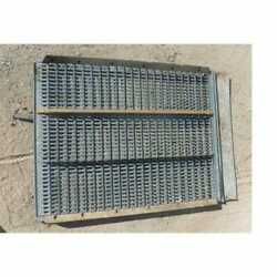 Used Top Chaffer Sieve Compatible With Gleaner K E3 E A K2 71124930