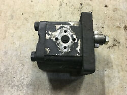 Tx17199 - A Used Hydraulic Pump For A Long 2360 2460 2510 2610 Tractors