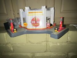 Danbury Mint Vintage Shell Service Gas Station Clock Diorama Display Excellent