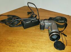Sony Cyber-shot Dsc-f707 4.9mp Digital Camera And Charger Mpeg Movie Ex Still