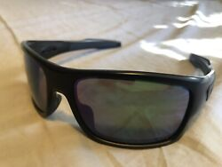 Oakley Prizm Sunglasses Black and Green Mens very good condition. $58.00