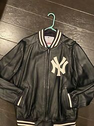 Supreme New York Yankees Leather Jacket Size M - New Without Tags