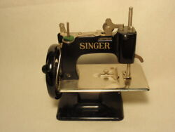 Vtg Singer Sew Handy Child's Toy Hand Crank Sewing Machine As-is