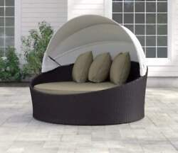 Daybed With Cushions New