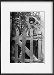Photo Mr. And Mrs. Philler,leaning On Gate,kineo,moosehead Lake,maine,me,septembe