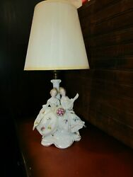 Vtg, Germany Hand Painted Signed And Numbered Porcelain Boudoir Lady's Lamp. Mt95