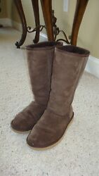 Classic Tall Chocolate / Brown Uggs Womens Size 7