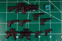 Custom Weapons Resin Black Cast 6 Inch Scale 112 9 Weapons + Cube
