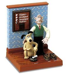 New Rare Wallace And Gromit Talking Alarm Clock Figue Statue