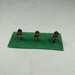1 Vintage Toy Lead Soldiers With Rifles And Brown Coats And Hats .5 Tall