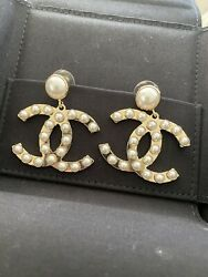 New Authentic W Receipt Sold Out Cc Logo Pearl Gold Stud Dangle Earrings