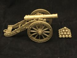 Vintage Marx Johnny Tremain Revolutionary War Gold Firing Cannon With Stack