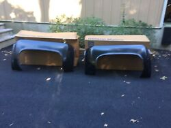 1973 - 91 Chevy Gmc Dually Truck Nos Fiberglass Rear Fenders In Gm Boxes Pair
