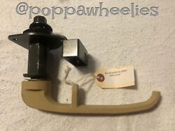 Gichner Bae Systems Group S250 S280 Military Shelter Door Handle 6439374-200m1