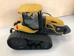 Caterpillar Challenger Mt765 Track Tractor 116 Scale Models Signed Special