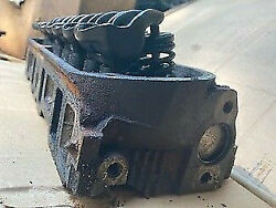 Ford Gt40p Head One Head Only 4 Bars On End Good Condition W/one Broken Bolt