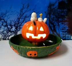 Dept 56 Peanuts Halloween Snoopyand039s Treat Dish Lights Candy Trick Or Treat