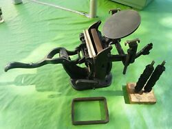 Vintage Antique Tabletop Cast Iron Small Card Printing Press