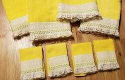 Nos Vintage 8 Pc Set St. Mary's Bright Yellow Bath Towels And Washcloths Lace Trim