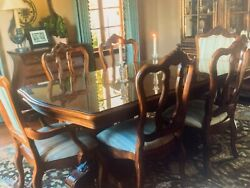 Ethan Allen Mahogany Dining Table And Chairs