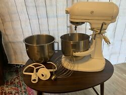 Kitchenaid K5ss Heavy Duty Mixer 10 Speed W/ Bowl And Attachments, Great Condition