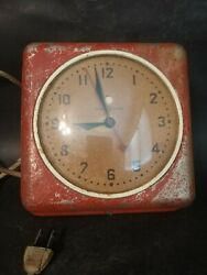 1940's Red Vintage Art Deco General Electric Kitchen Wall Clock
