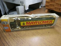 Con Cor Ho Scale Mayflower Tractor And Moving Van Trailer