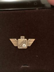 Vintage Braniff Airlines 25 Year Service Pin With Diamond Airways Air