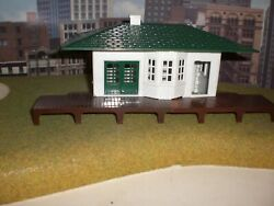 Plasticville Passenger Station O Scale Can Be Used For O Or S Scale