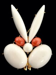 Scarce Vtg Trifari White Lucite Gold Teeth Angry Rabbit Figural Brooch Pin