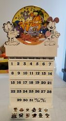 Danbury Mint 12 Month Garfield Calendar With Collector Plates 100 Complete Rare