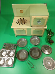 Kingston Little Lady Electric Child's 430 9 Pcs Stove And Oven + Cookware Works