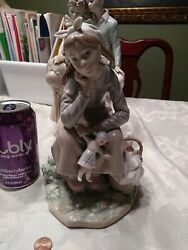 Lladro 1211 Girl With Doll Glossy Finish 9 Inch Excellent - Nice Size