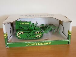1/16 John Deere Lindeman Crawler With Cultivator - Speccast Collectibles jdm190