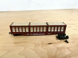 Atlas N Scale Western Maryland Freight Car W/load Wheels Came Off