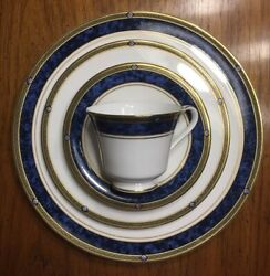 Royal Doulton Stanwyck 4 Piece Place Setting Discontinued