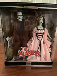 The Munsters 2001 Barbie Doll Collectibles Giftset Excellent Box Herman And Lily